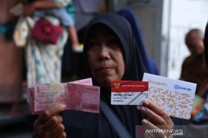 Mensos: Bansos PKH tersalurkan 100 persen hingga akhir Mei 2020