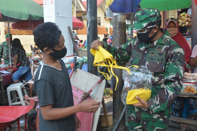 Kodam XVII/Cenderawasih bagikan 1.200 masker ke warga Jayapura