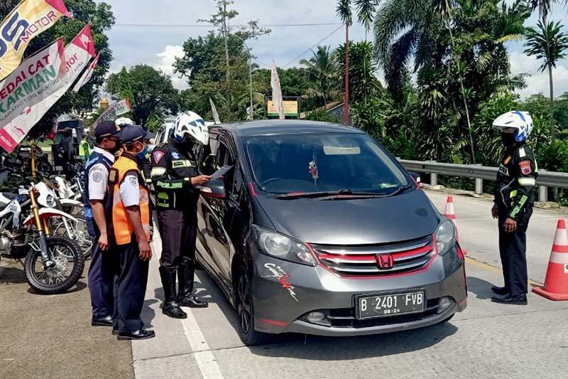 Polresta Banyumas sisir kendaraan travel gelap tujuan Ibu Kota