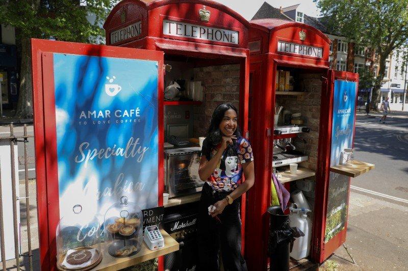 Inggris: Boks Telepon Umum Disulap Jadi Warung Kopi Usai Lockdown