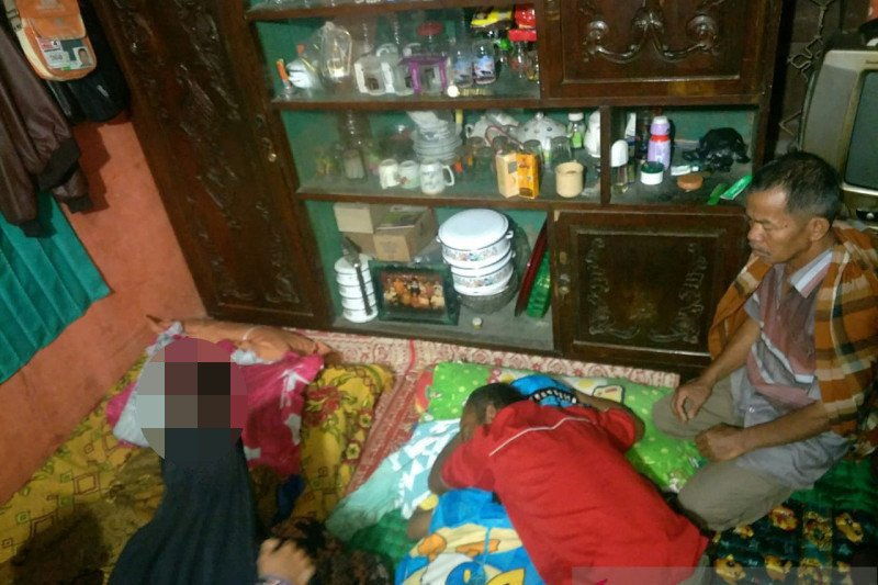 Dua warga Solok tewas terdampak tanah longsor