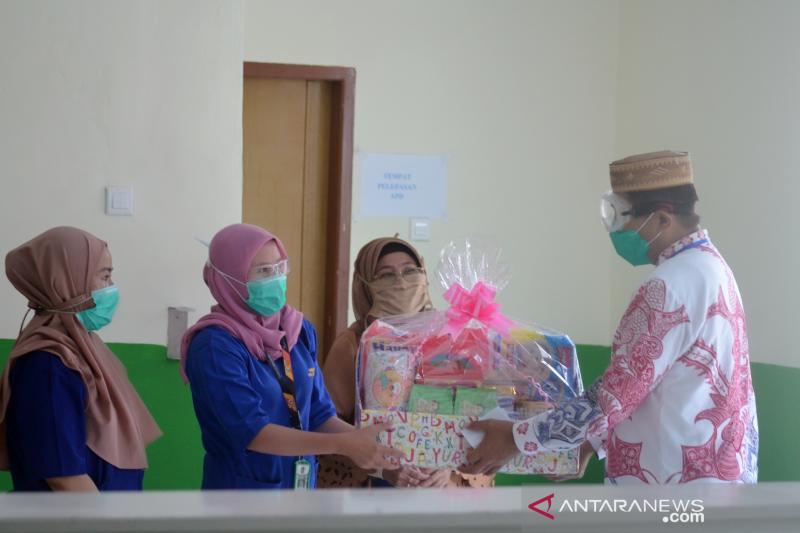 Rachmat Gobel bantu dua bayi positif COVID-19 asal Gorontalo Utara