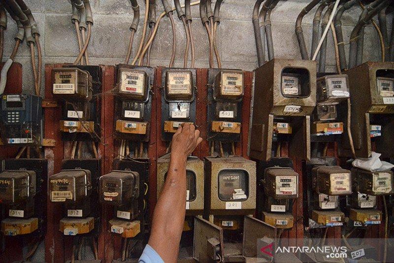 Kemarin, pencabutan subsidi listrik hingga korupsi hambat ekonomi