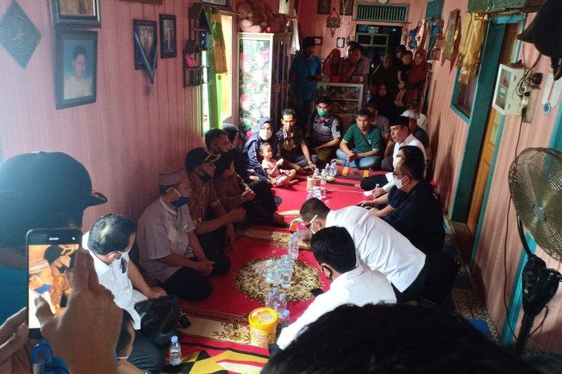 Boy Rafli Amar kunjungi rumah keluarga korban penyerangan Polsek Daha
