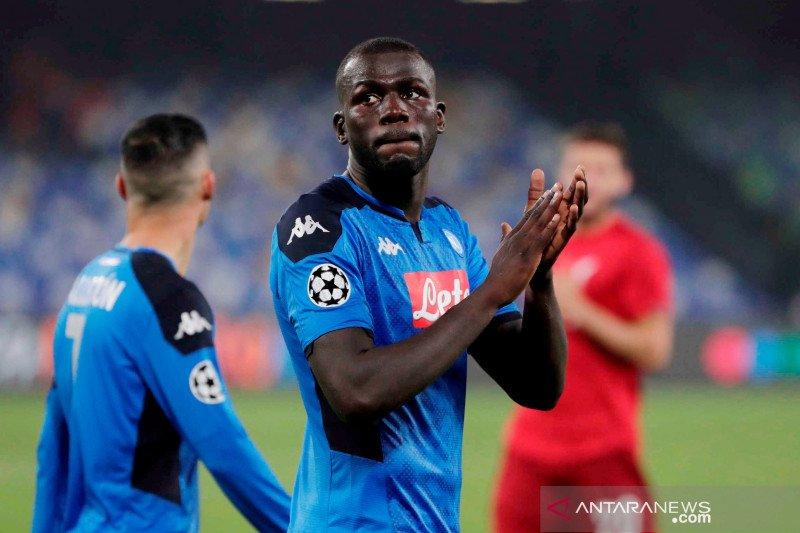 Napoli enggan turunkan harga Kalidou Koulibaly