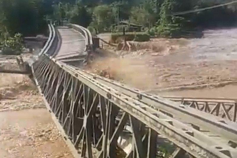 Rumah dan fasilitas umum di Bone Bolango diterjang banjir
