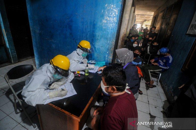 Sepekan, pasar di Bandung ditutup hingga TNI/Polri dukung normal baru