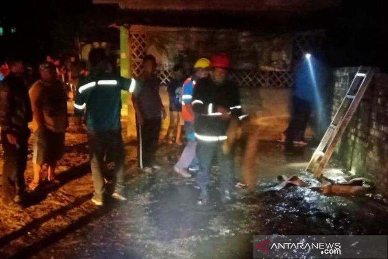 Seorang pemadam kebakaran di Palembang meninggal saat bertugas