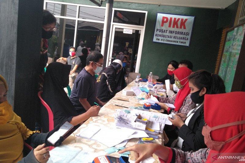 Penerima kartu lansia dan penyandang disabilitas di Jakarta Utara naik