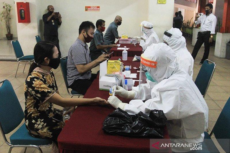 Panitera Pengganti positif, 310 pegawai PN Surabaya di
