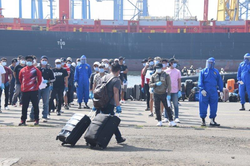434 WNI anak buah kapal pesiar MV Eurodam tiba di Tanjung Priok