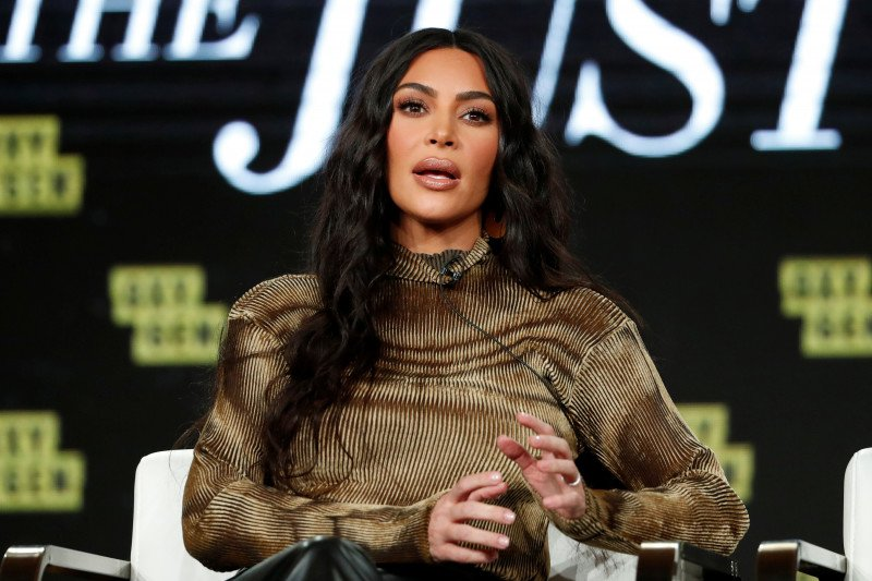 Kim Kardashian bawakan acara podcast tentang hukum di Spotify