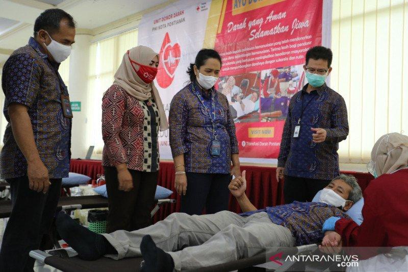 Karyawan PLN Kalbar donor darah jaga stok saat wabah COVID-19