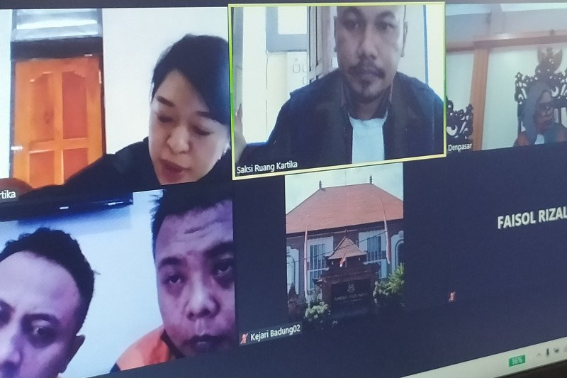 Dua orang pemilik sabu-sabu dituntut 7 tahun penjara di PN Denpasar