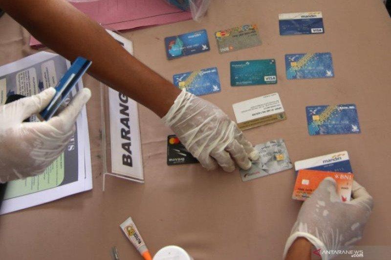 Polda Jambi tangkap dua pelaku bobol ATM