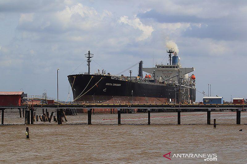 Harga minyak mentah Indonesia naik jadi 42 dolar AS per barel