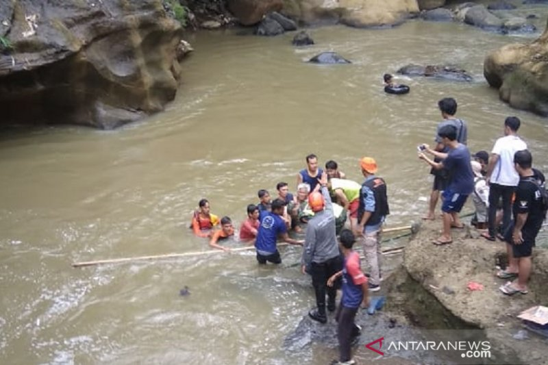 Tim SAR gabungan temukan jasad bocah terseret arus sungai