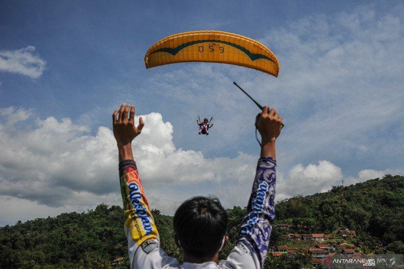 Atlet paralayang berlatih jelang PON XX Papua