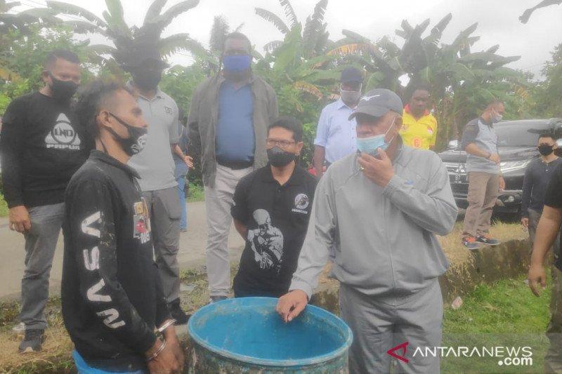 Minuman keras di Papua banyak dibuat di hutan-hutan
