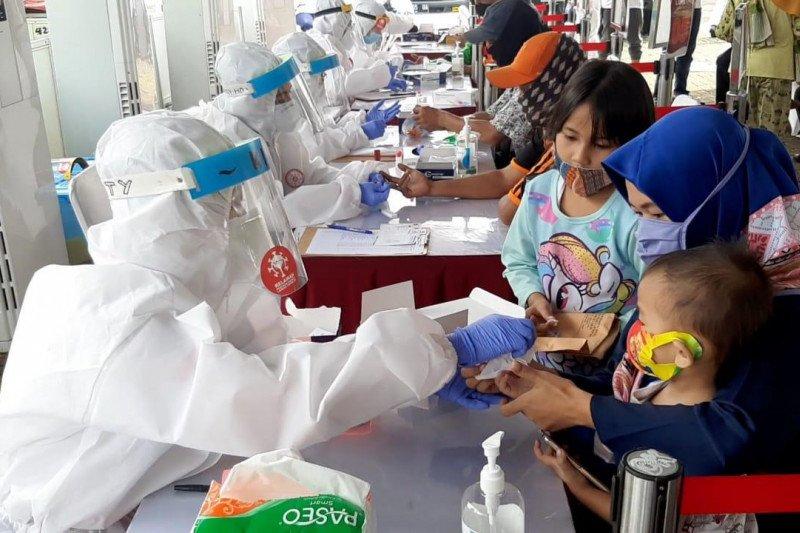 Sepuluh warga Kramat Jati reaktif COVID-19 berdasarkan tes cepat