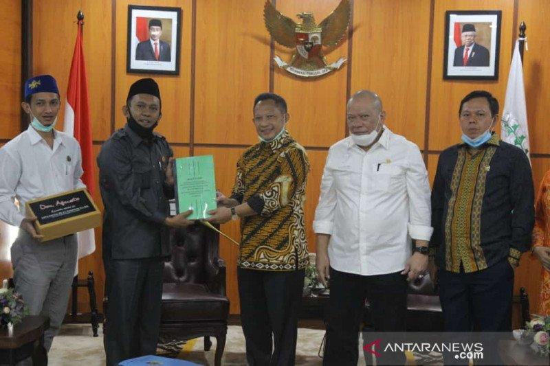 Pimpinan DPRD Jember serahkan hasil angket kepada Mendagri