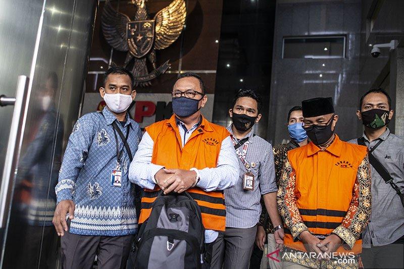 KPK tahan 3 bekas pimpinan DPRD Jambi terkait kasus suap RAPBD