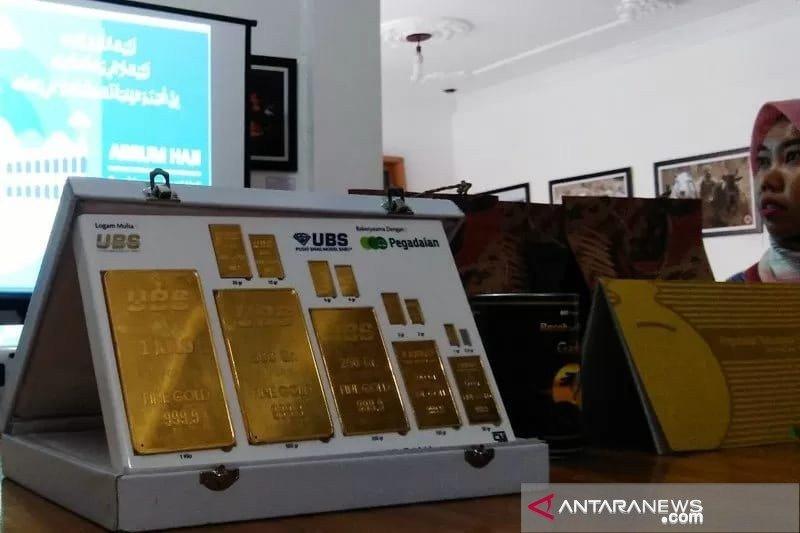 Harga emas di Pegadaian area Padang Rp923.000 per gram