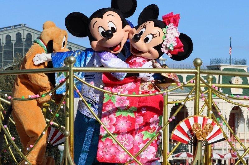 Sejumlah pekerja Disneyland protes rencana pembukaan kembali