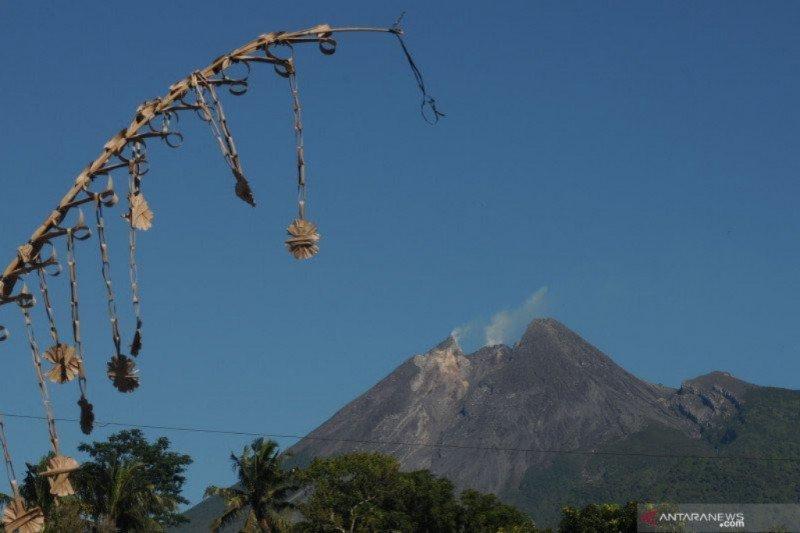 Enam kali gempa guguran terjadi di Gunung Merapi