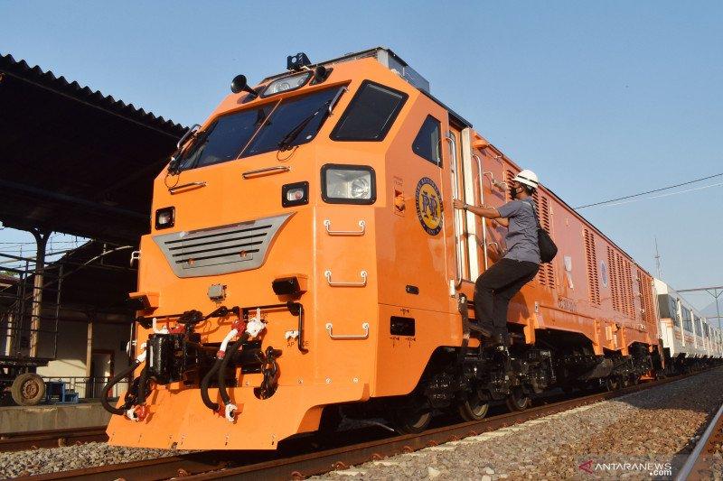 PT INKA lakukan uji dinamik kereta penumpang pesanan Filipina