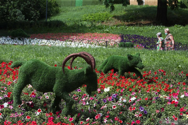 Pameran bunga musim panas tahunan di Kiev