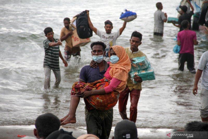 Warga evakuasi paksa pengungsi etnis Rohingya