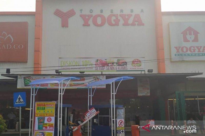 Diskoperdagin Cianjur imbau pusat perbelanjaan tarik jamur enoki impor