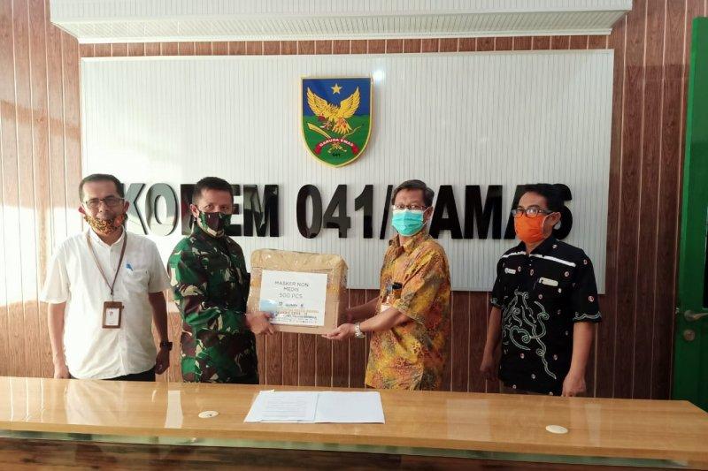 Satgas BUMN Bengkulu salurkan 500 masker ke Korem 041 Garuda Emas