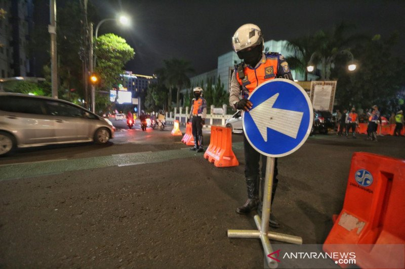 Polrestabes Bandung tetap lakukan penutupan jalan di malam akhir pekan