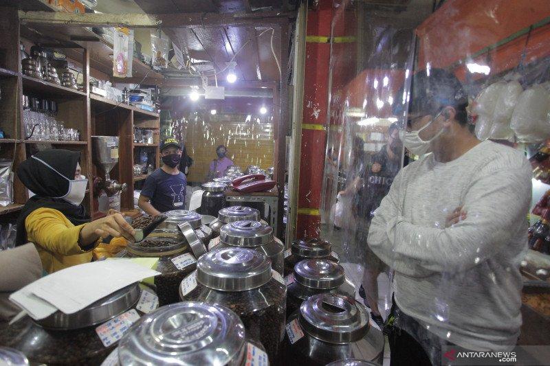 Pasar Santa Jakarta terapkan protokol kesehatan