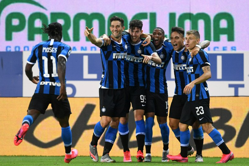 Inter Milan meraih kemenangan setelah berbalik unggul atas Parma 2-1