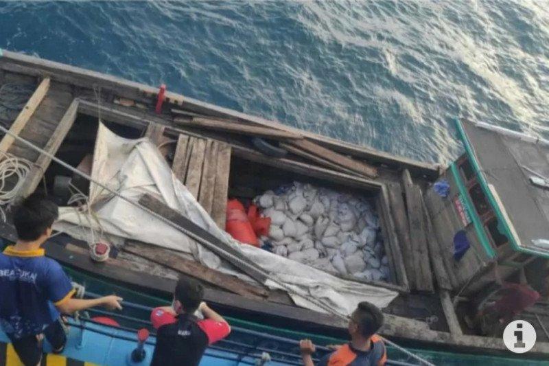 Bea Cukai Kepri gagalkan penyelundupan 10 ton pasir timah