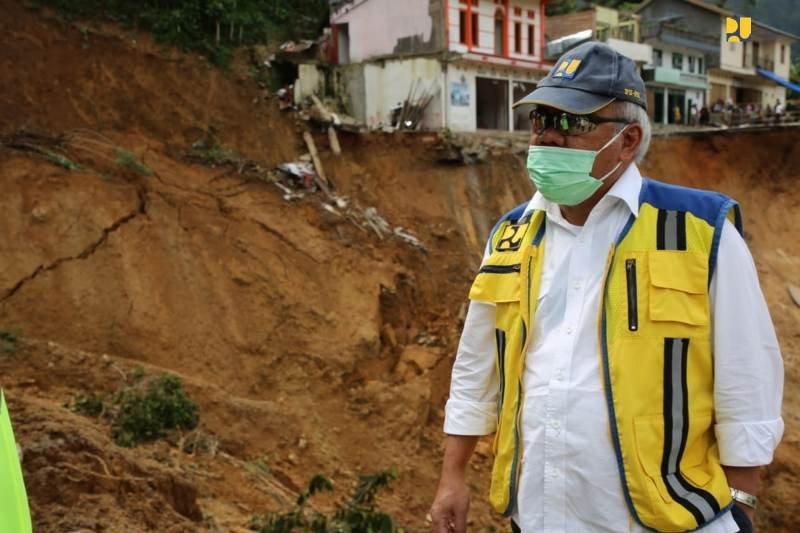 Menteri PUPR bergerak cepat tangani longsor di jalan Palopo - Rantepao