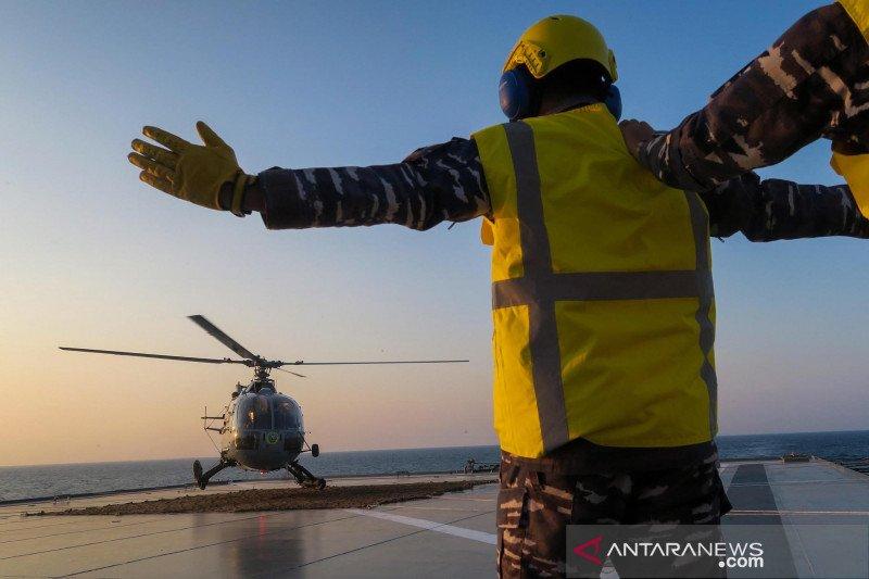Peran helikopter di KRI Semarang-594
