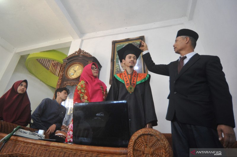 Wisuda virtual Universitas Andalas