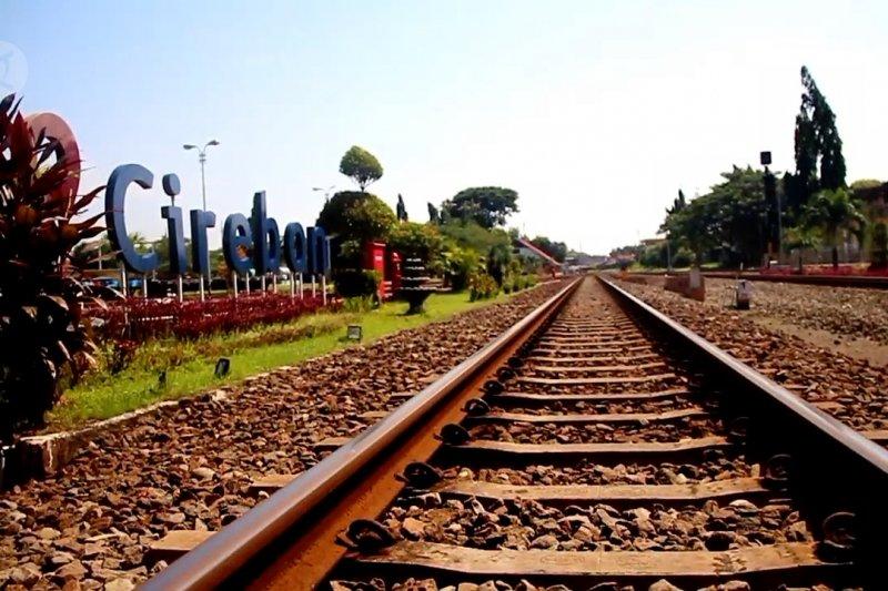 Daop 3 Cirebon sambut beroperasinya kereta reguler