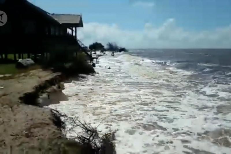 Abrasi, fasilitas Pantai Ujung Pandaran akan dibangun ulang