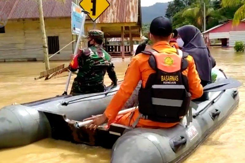 Basarnas evakuasi warga Konawe Utara terdampakbanjir