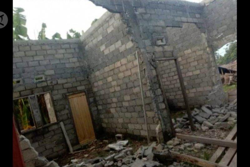 Ratusan rumah & fasilitas umum di Morotai rusak karena gempa