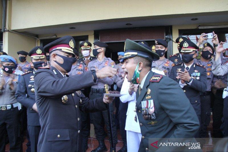 Hari Bhayangkara, TNI datangi Polrestro Jakbar ucapkan selamat