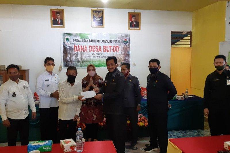 Di kawasan perbatasan RI-Malaysia, BLT Dana Desa sudah diserahkan
