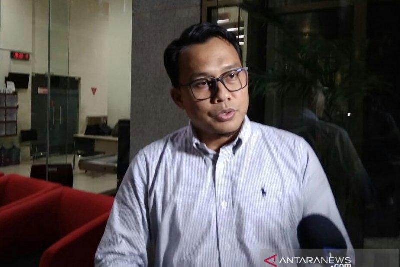 Tiga saksi dikonfirmasi aliran uang kepada pihak-pihak di PTDI