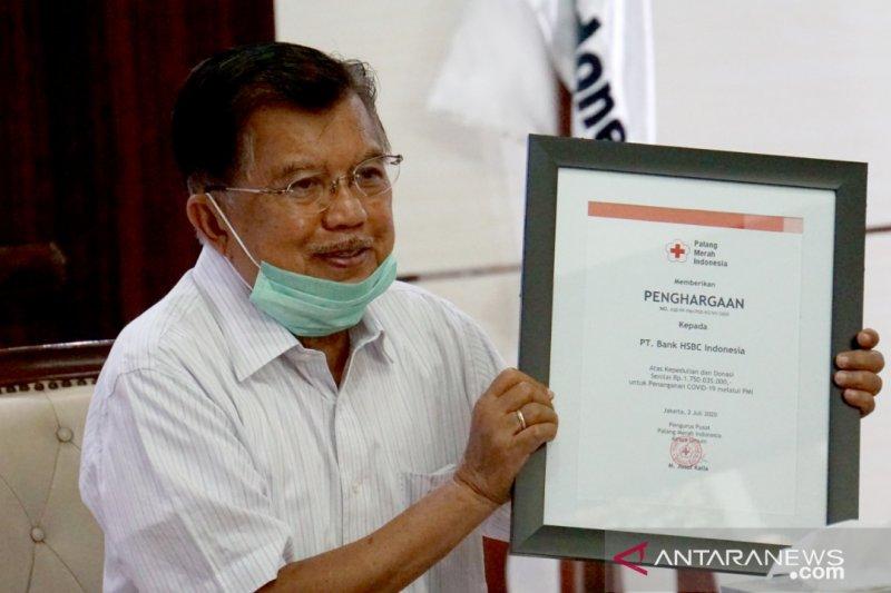 HSBC Indonesia salurkan bantuan APD melalui PMI