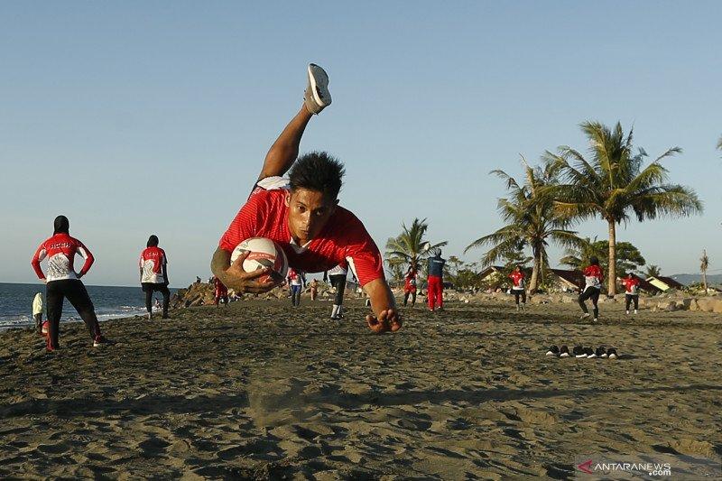 Latihan atlet nasional cabor Rugby